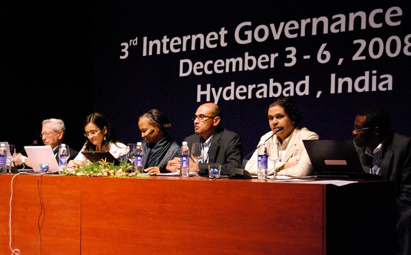"Panel on ""Challenges facing Internet operators in developing countries"""